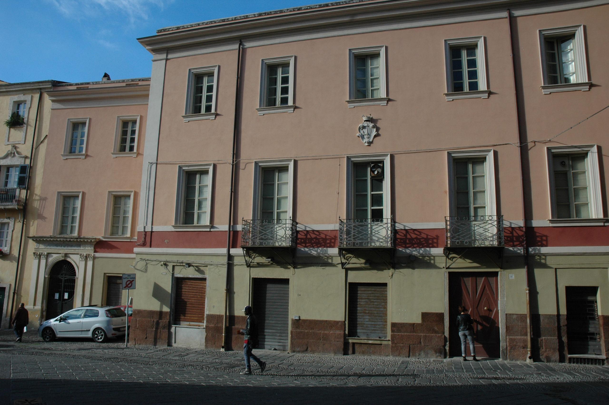 Vendita Appartamento e mansarda – Piazza Duomo – Sassari
